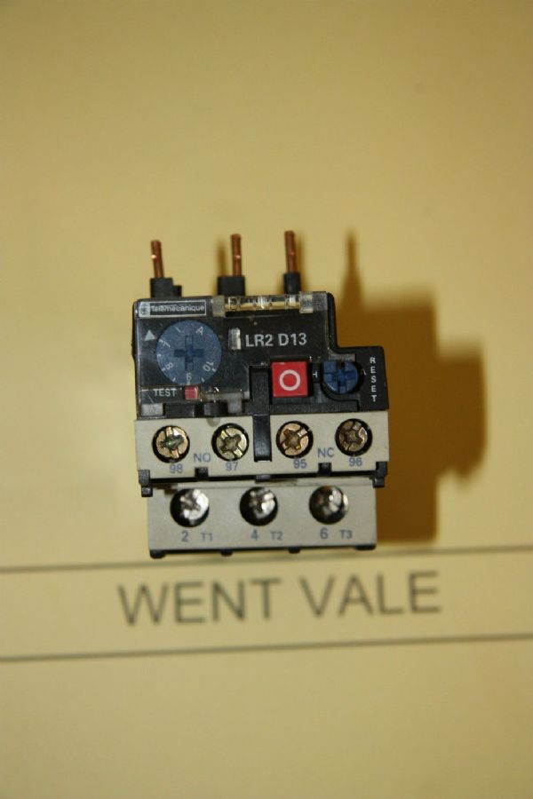 Telemecanique LR2 D1307 - 1.6 to 2.5a Triple Pole Contactor Overloads Used